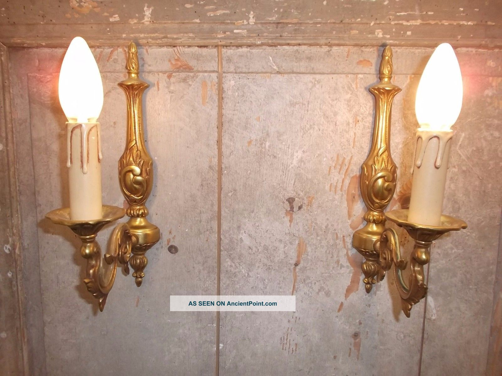 French A Gold Bronze Wall Light Sconces Classic Detailed Vintage Chandeliers, Fixtures, Sconces photo