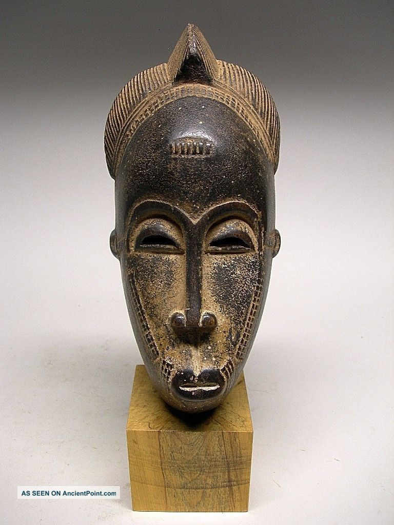 Small Baule Female Mask From Cote D ' Ivoire Masks photo