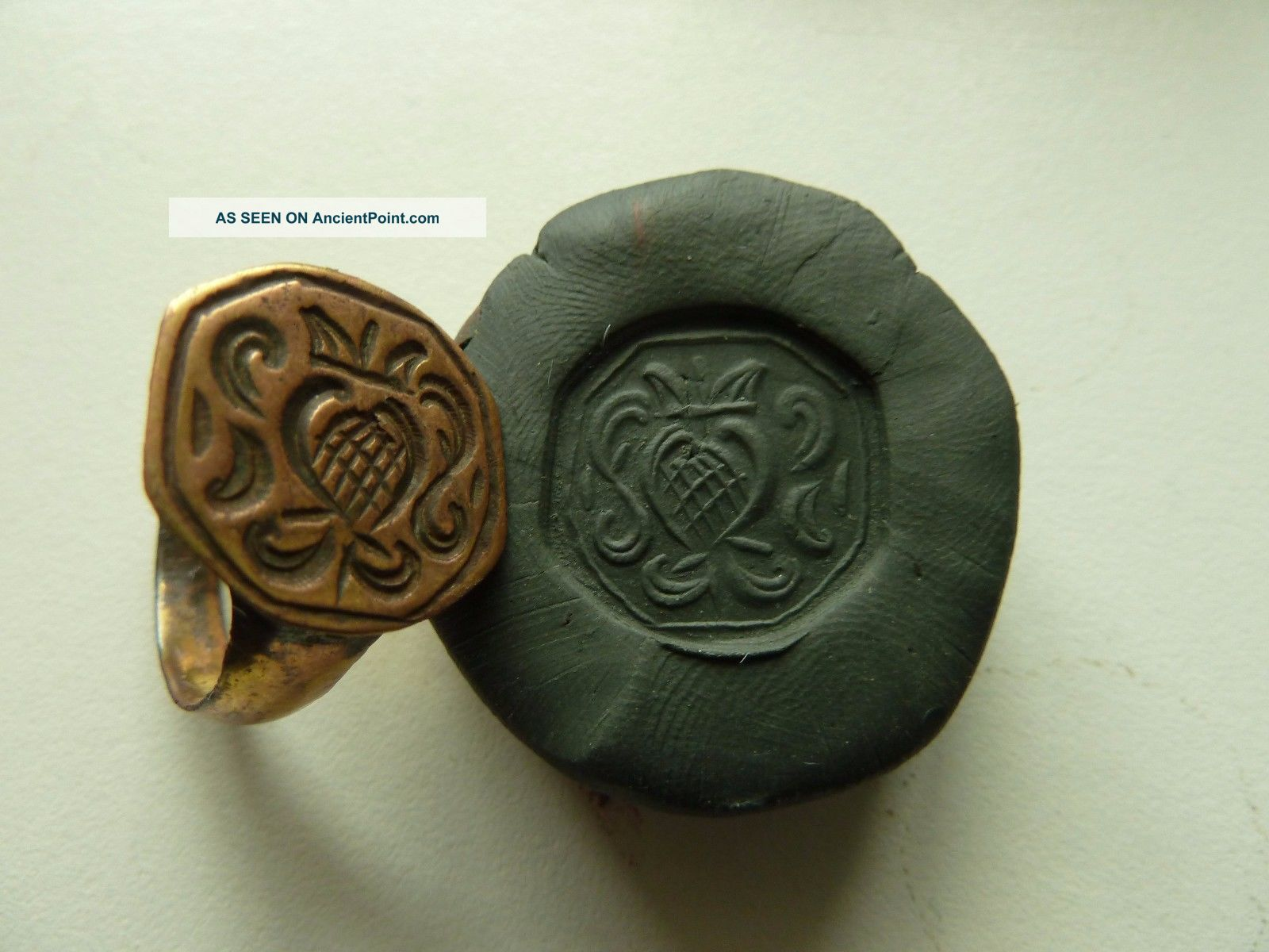 Post - Medieval Bronze Seal - Ring With Pseudo Heraldic Image (k532). Other Antiquities photo