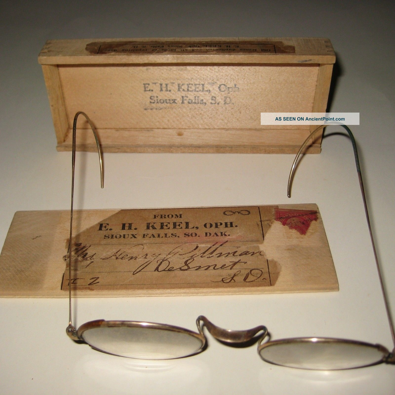 Sioux Falls Sd Antique Shuron Glasses W/ Wooden Mailing Ad Box Keel Optometrist Other Medical Antiques photo