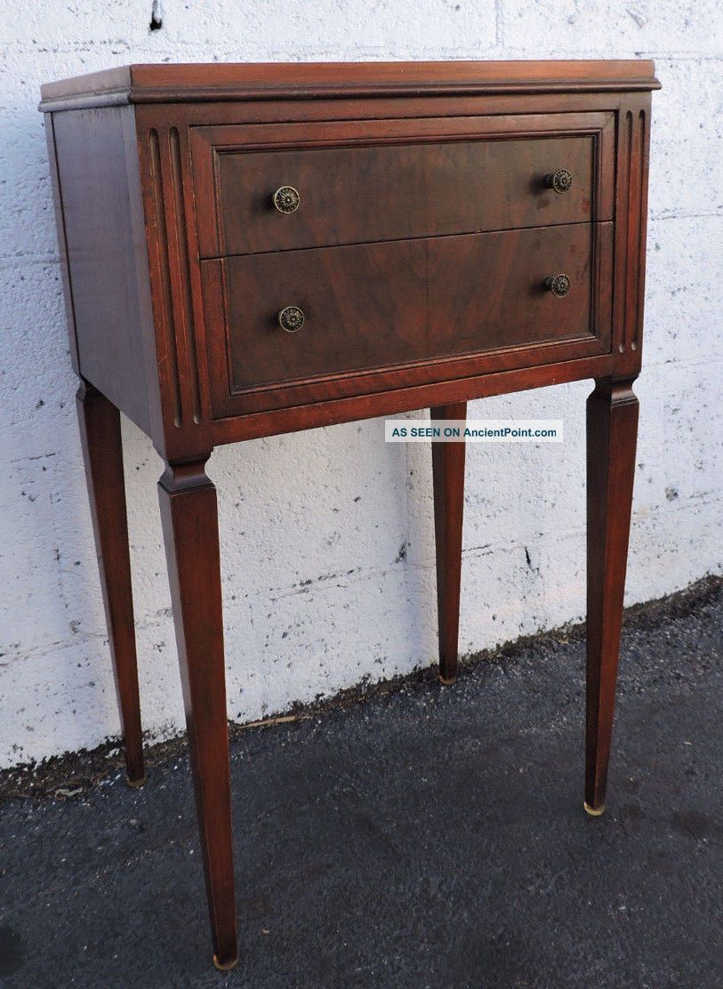 Early 1900s Burl Walnut Nightstand End Table Side Table 8196 1900-1950 photo