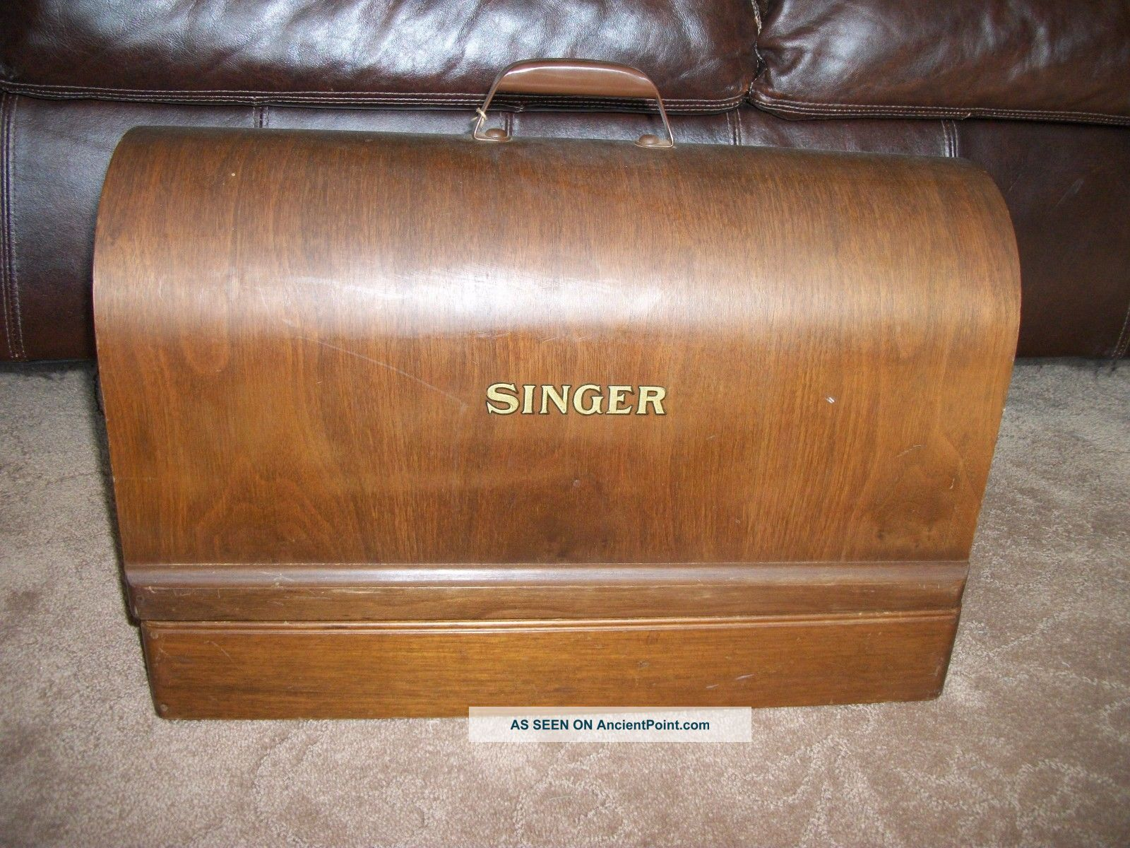 Vintage 20 ' S Singer Sewing Machine Coffin Wood Dome Handle Full Size Case No Key Other Antique Home & Hearth photo