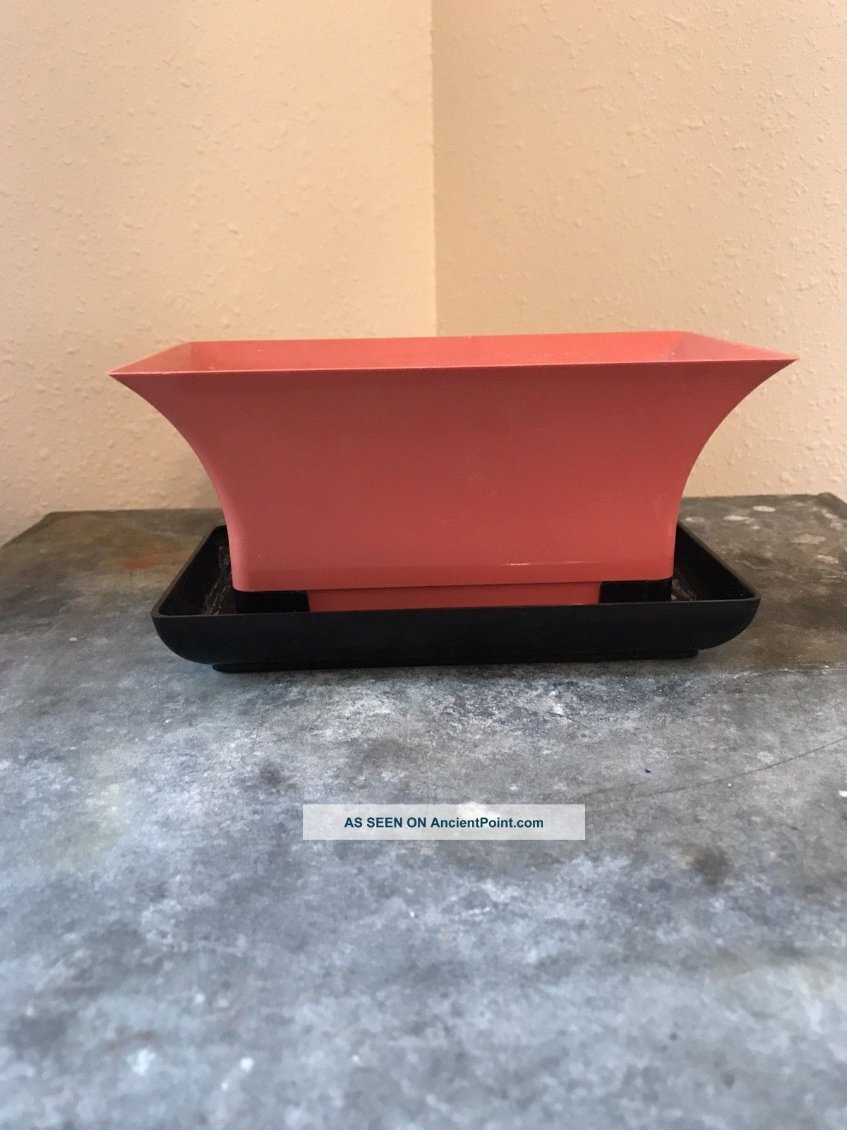 Vintage Mid Century Planter Pink And Black Mid-Century Modernism photo