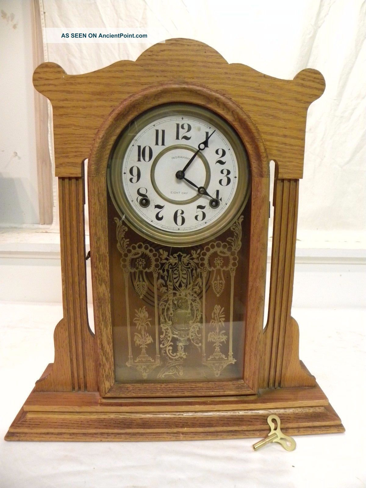 Antique American Ingraham Fine Oak Parlor Clock.  Circa 1910.  And Running Clocks photo