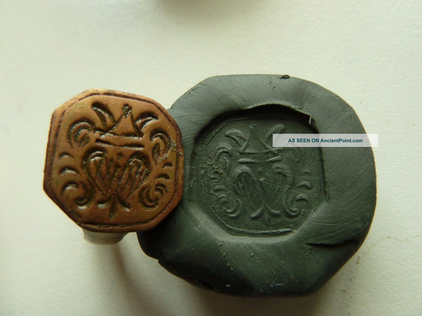 Post - Medieval Bronze Seal - Ring With Pseudo Heraldic Image (k531). Other Antiquities photo